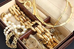 Jewelry Coverage - Blog